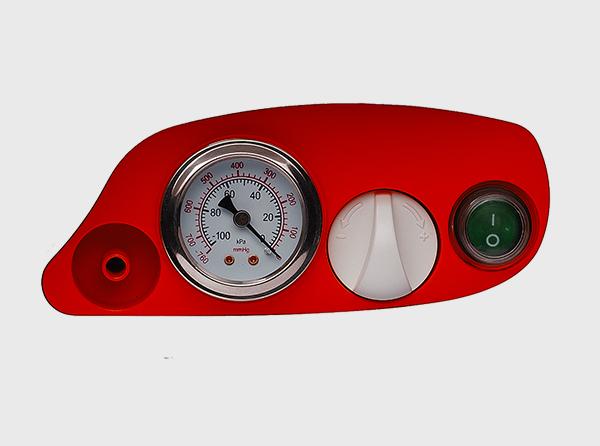 Pressure regulator and easy to read analogue pressure gauge