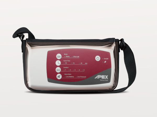 A pump carry bag with adjustable strap can fit all sizes of wheelchair