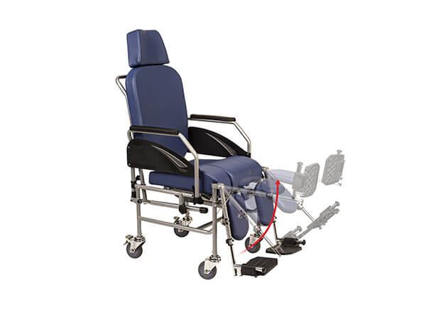 Reposapiés abatible para más confort y ajustable en altura en 4 posiciones.