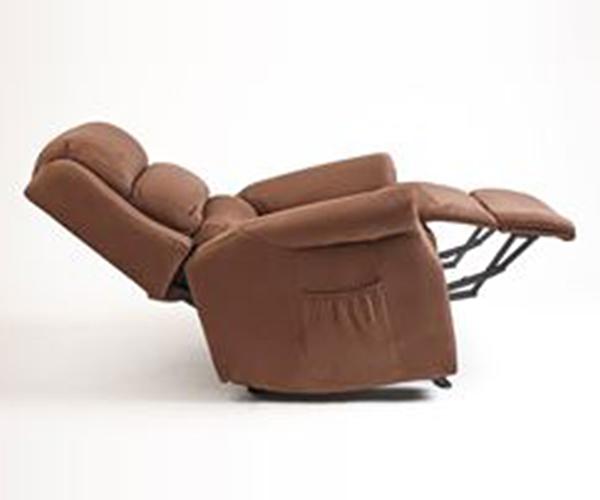 Permite reclinar el respaldo y subir las piernas en una superficie de 1,63 metros de largura.