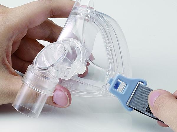 Arnés de nylon ajustable para una adherencia óptima.